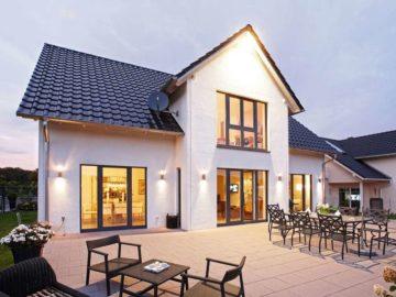 So können Heimwerker ihren Fassadenanstrich einfach erneuern