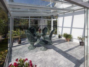 Terrasse mit Glasdach
